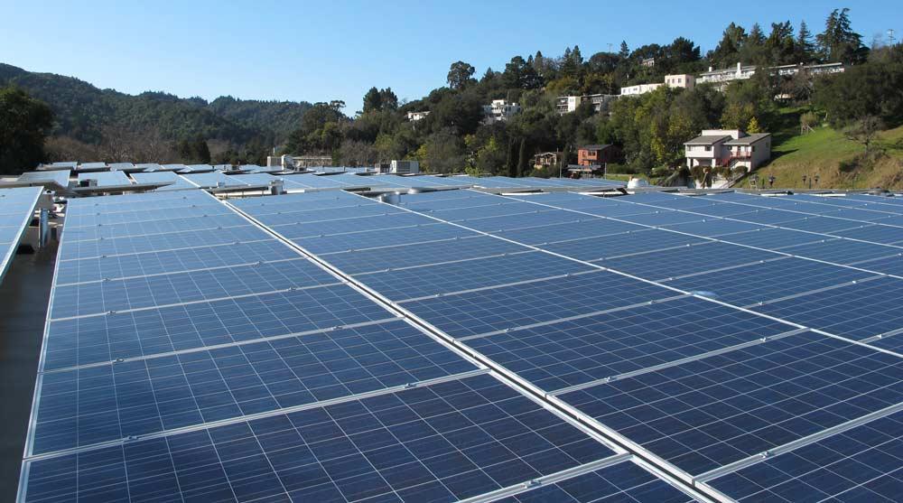 Closeup-of-Good-Earths-new-solar-panels