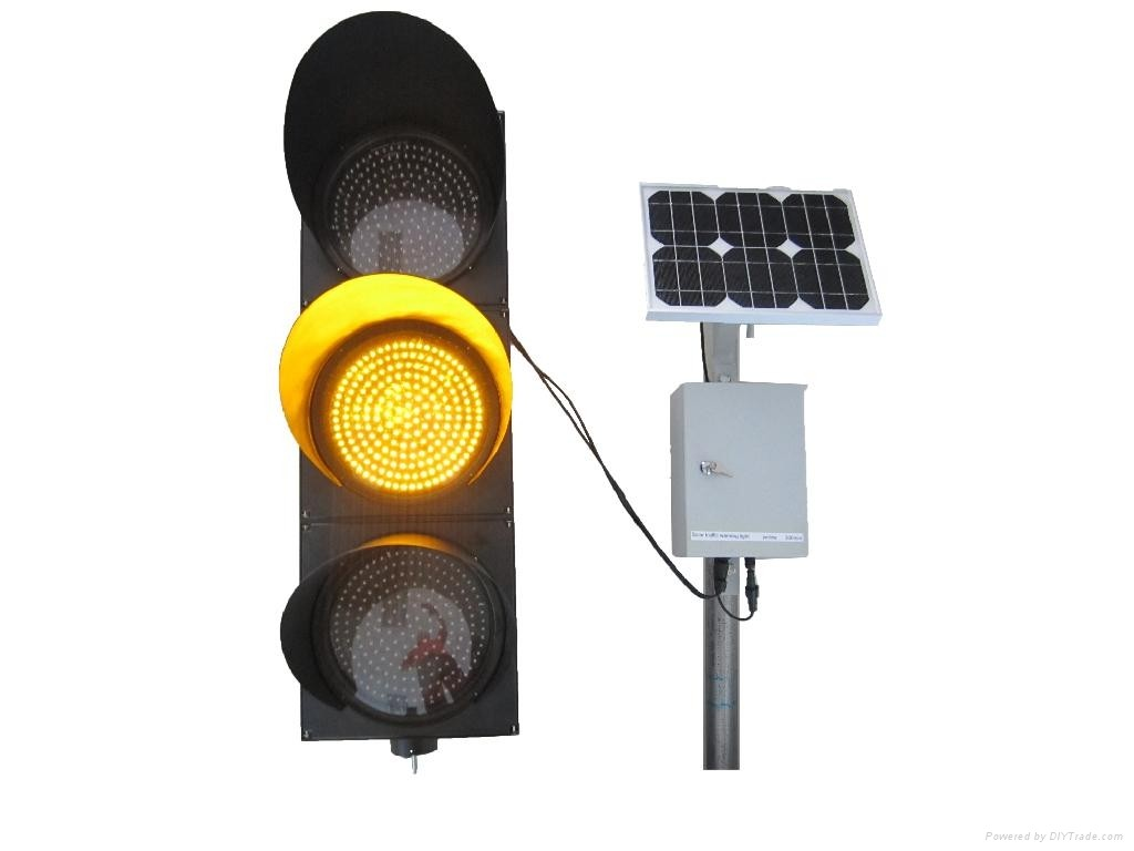 3_Holes_Solar_Traffic_Light